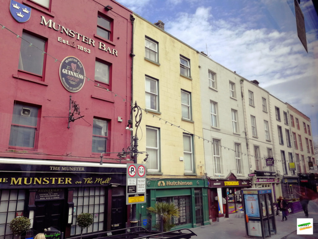 Munster bar, Waterford